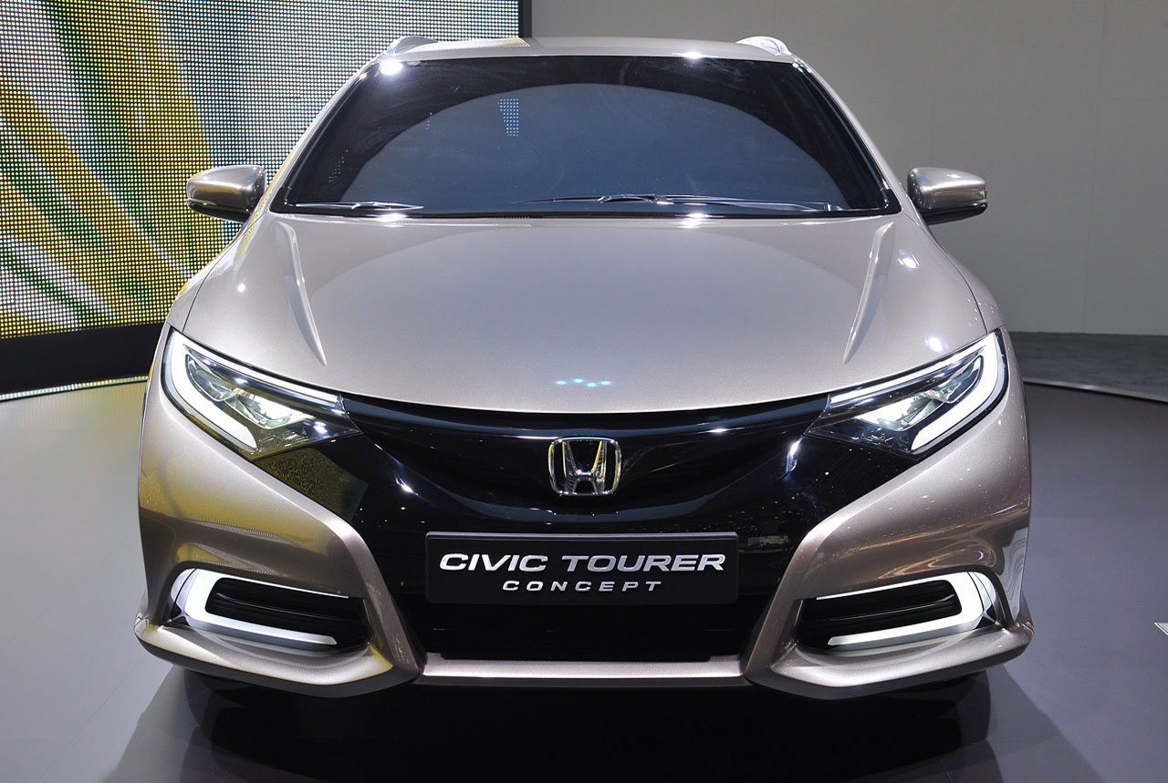 2017 Honda Civic Tourer Concept photo - 2