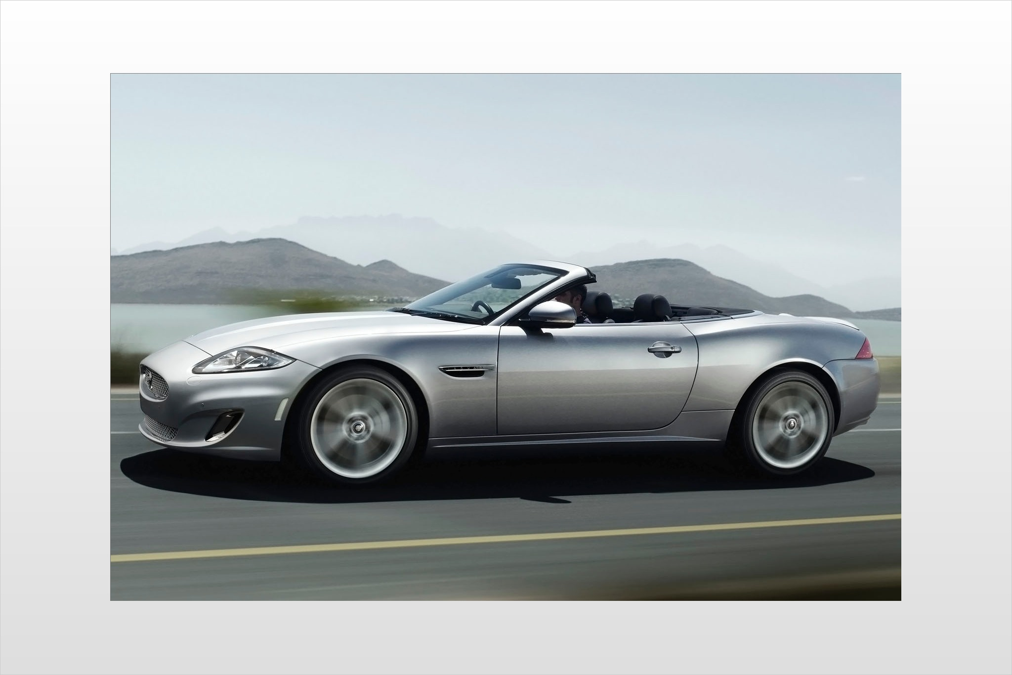 2017 Jaguar XK Convertible photo - 1