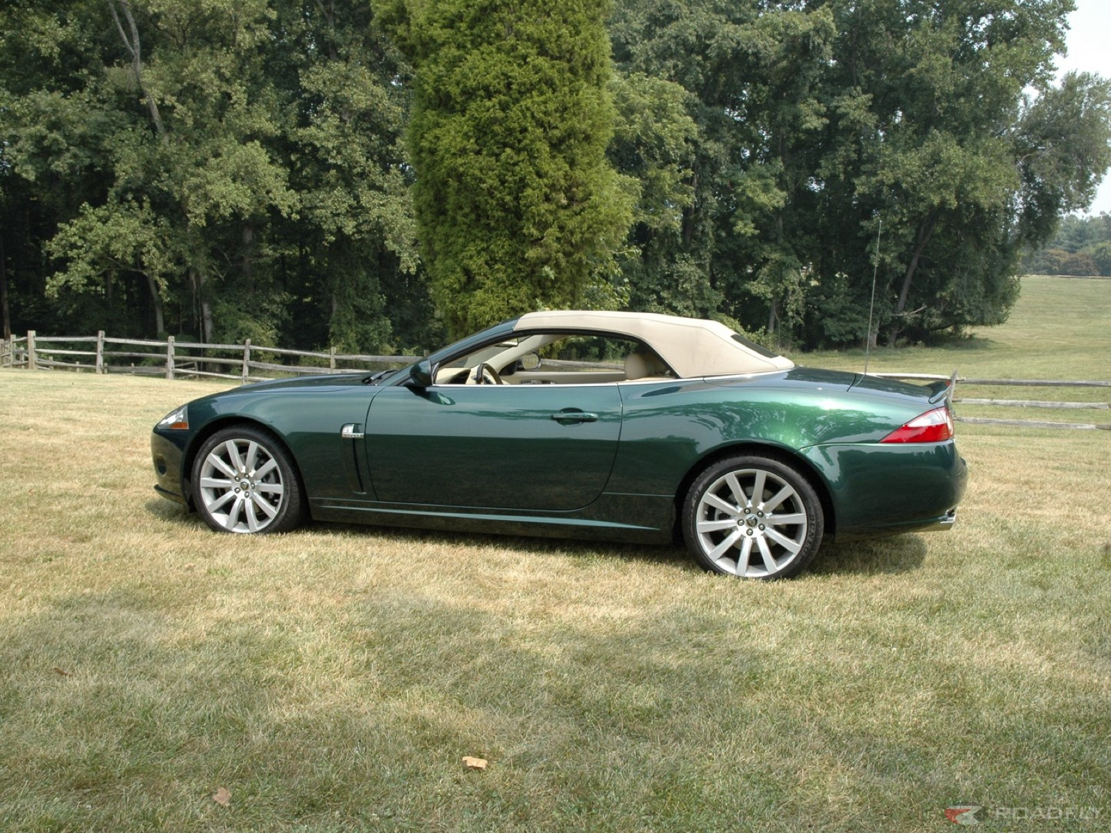 2017 Jaguar XK Convertible photo - 2