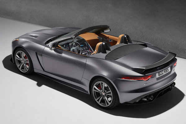 2017 Jaguar XK Convertible photo - 3