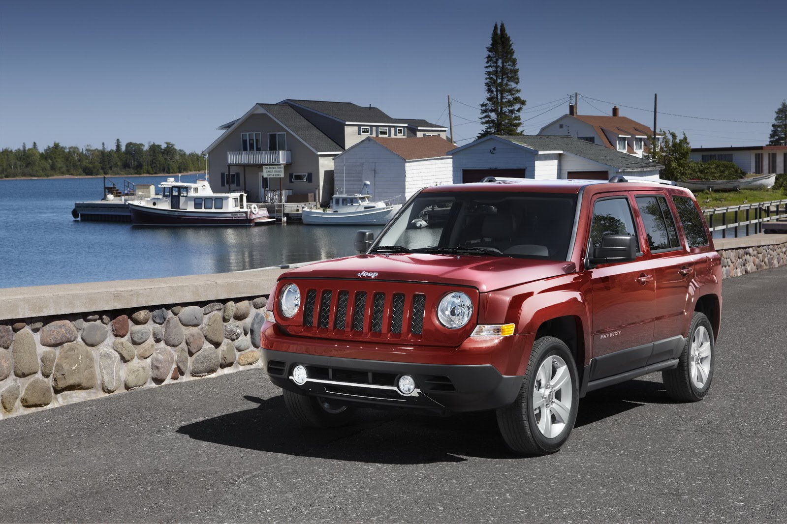 2017 Jeep Patriot EV photo - 1
