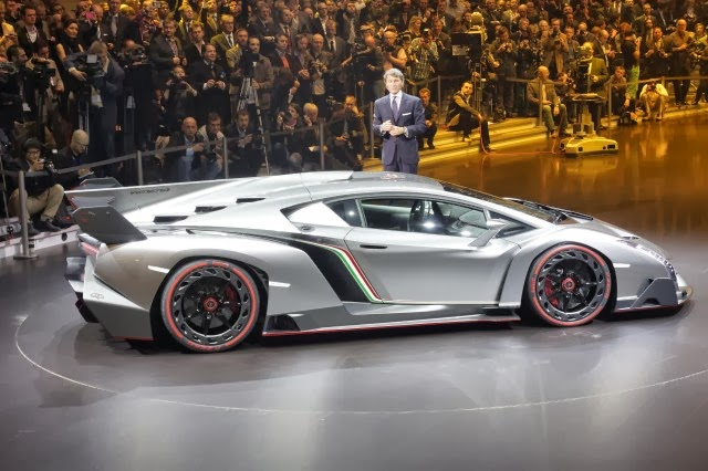 2017 Lamborghini Veneno Roadster photo - 3