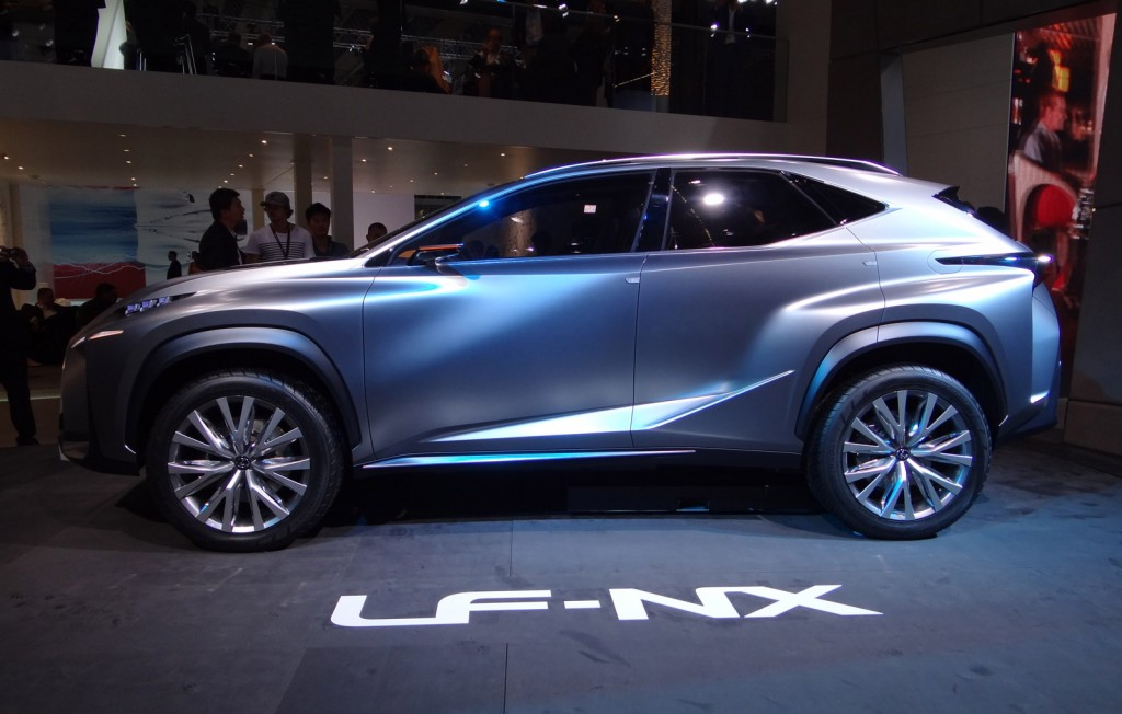 2017 Lexus NX photo - 4