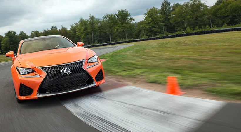 2017 Lexus RC F photo - 2