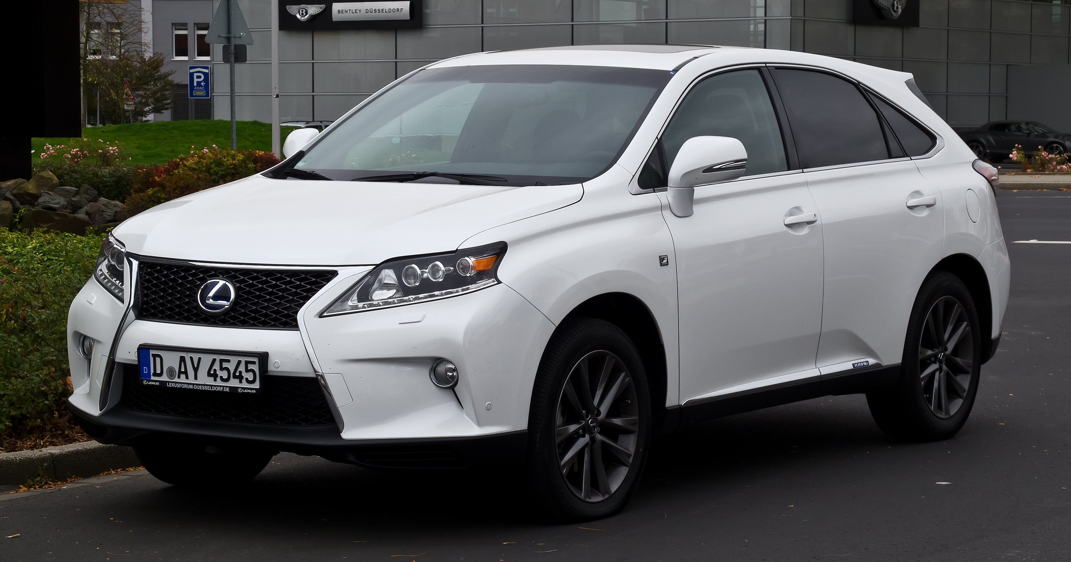 2017 Lexus RX 450h F Sport photo - 1