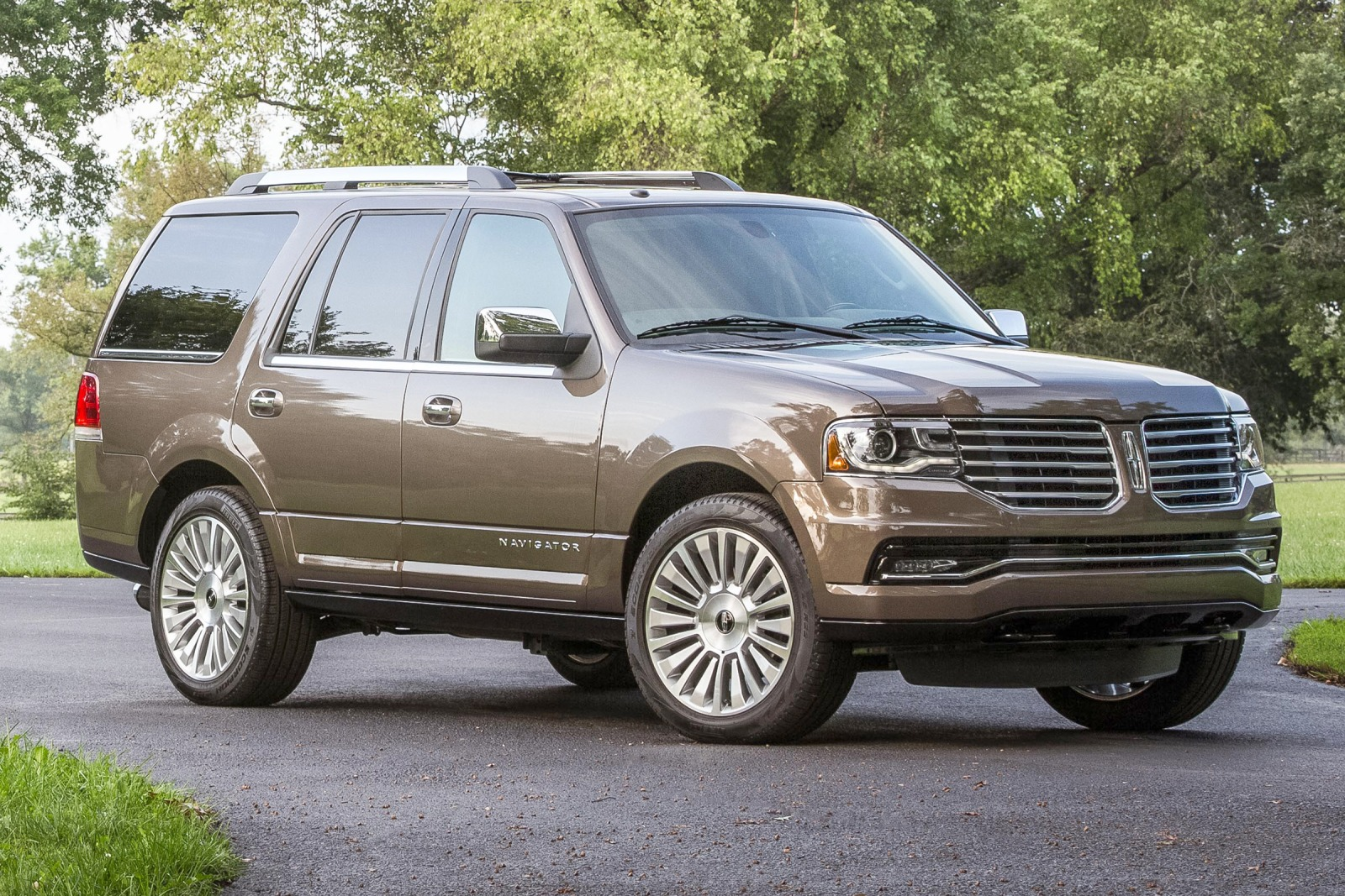2017 Lincoln Navigator photo - 2