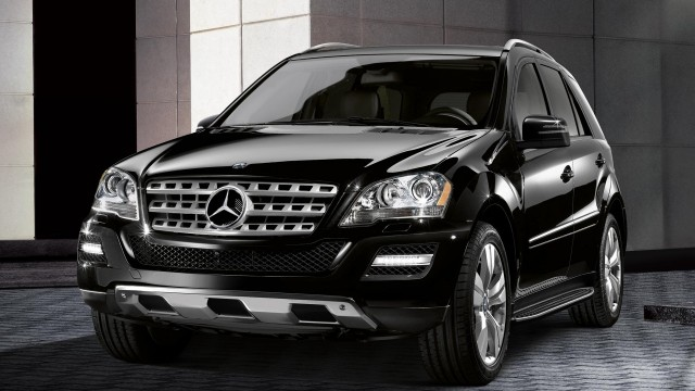 2017 mercedes benz ml500 car photos catalog 2018. Black Bedroom Furniture Sets. Home Design Ideas