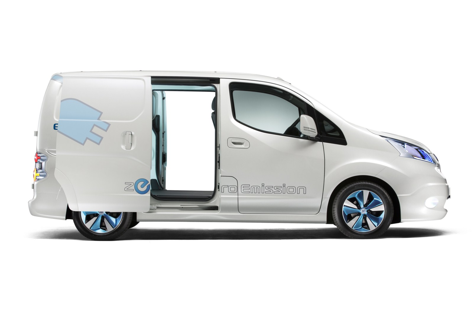 2017 Nissan e NV200 Concept photo - 1