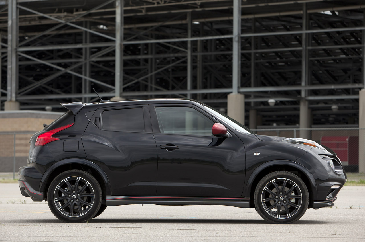 2017 Nissan Juke Nismo Dark Knight Rises photo - 1
