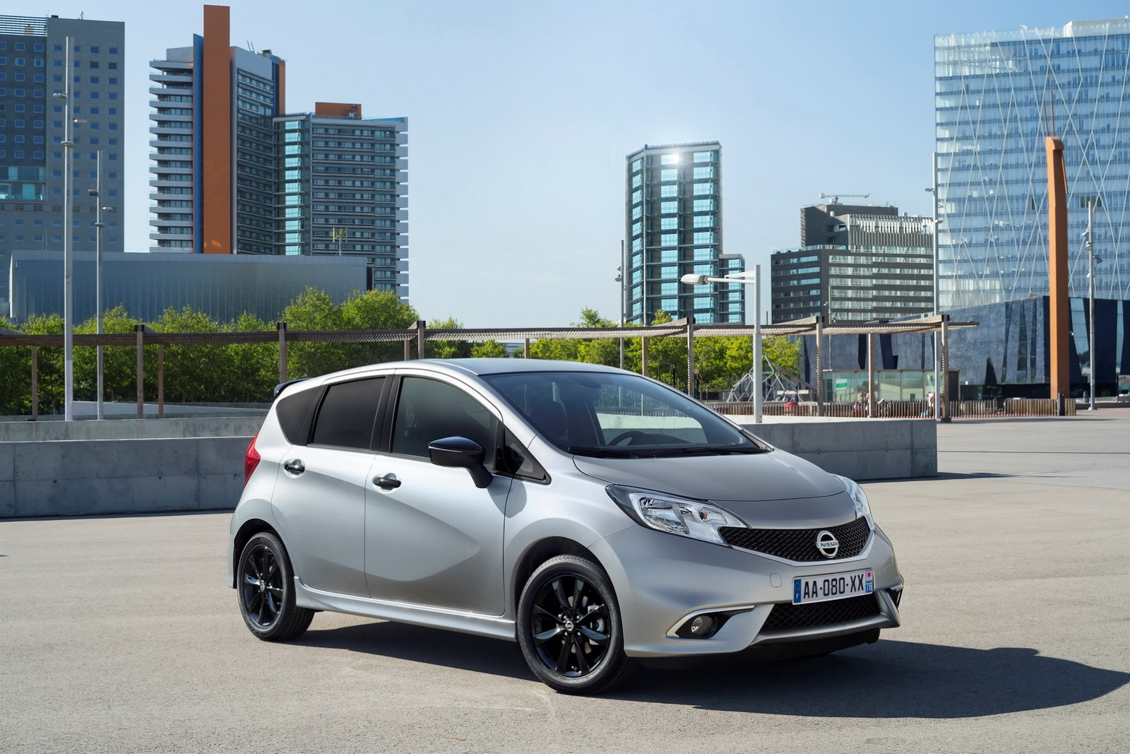 2017 Nissan Note photo - 2