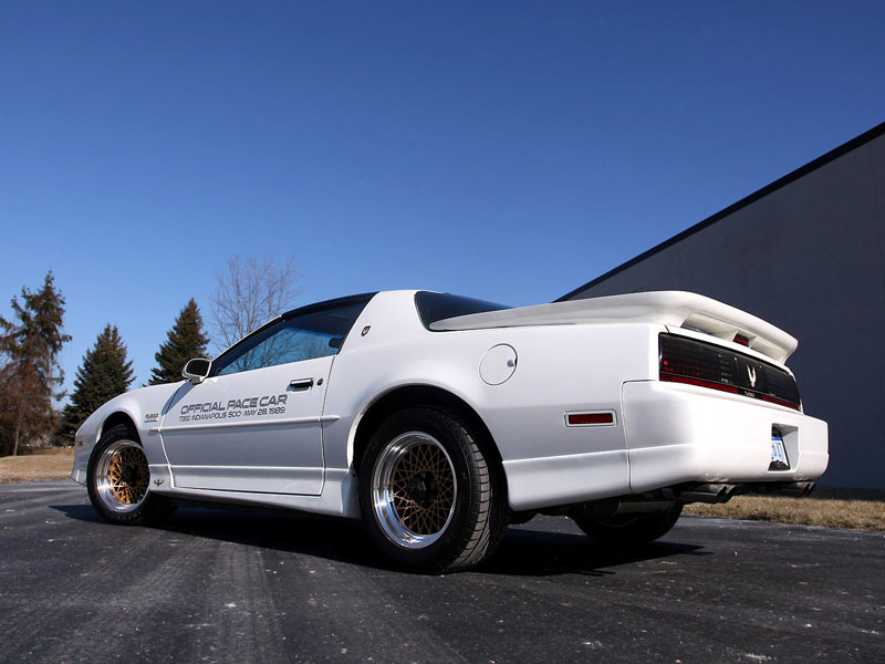 2017 Oldsmobile Aurora Indy Pace Car photo - 2