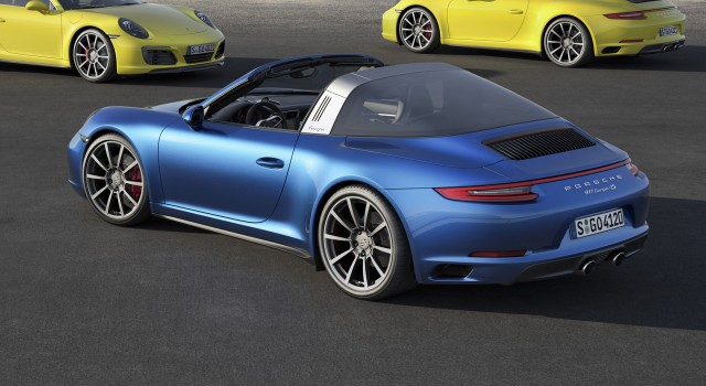 2017 Porsche 911 Carrera 4 Cabriolet photo - 2