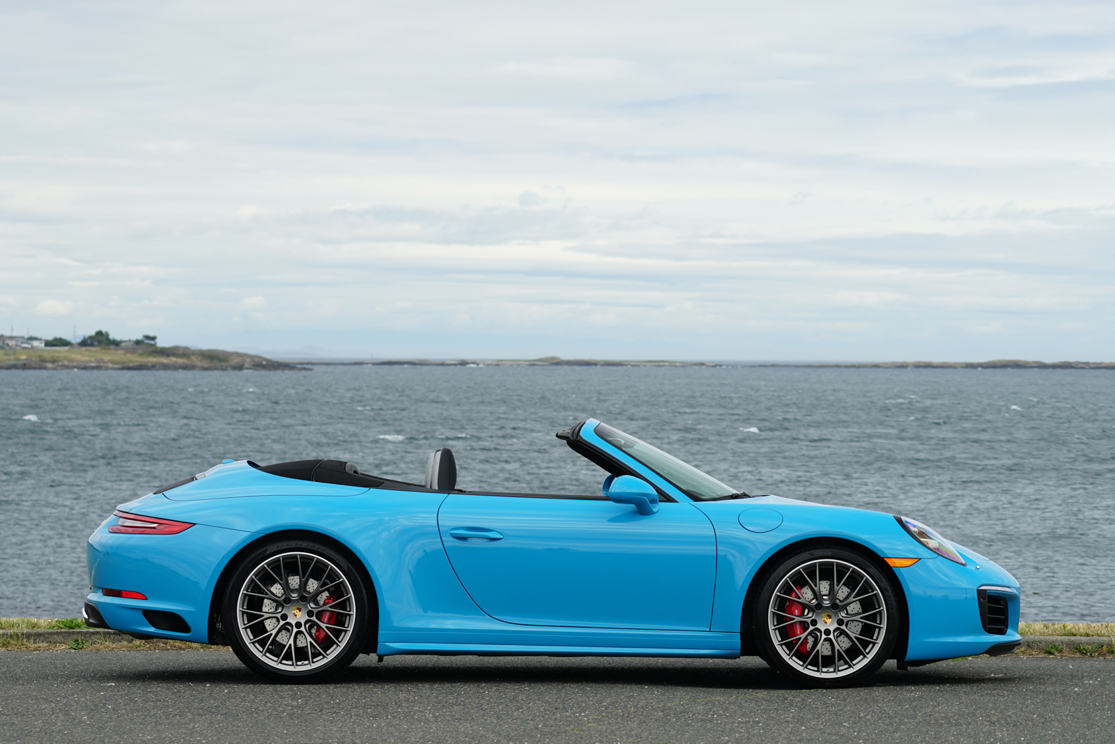 2017 Porsche 911 Carrera 4S Cabriolet photo - 3