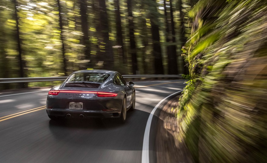 2017 Porsche 911 Carrera 4S Coupe photo - 4