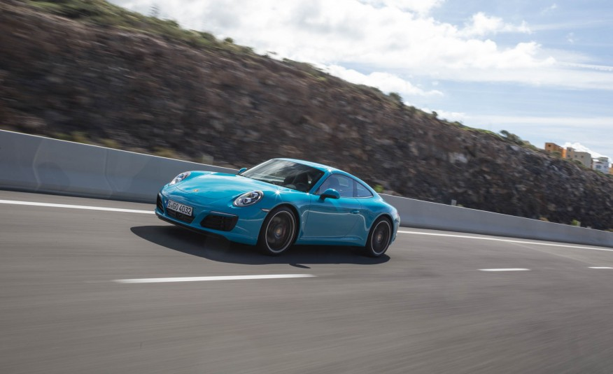 2017 Porsche 911 Carrera S Coupe photo - 3