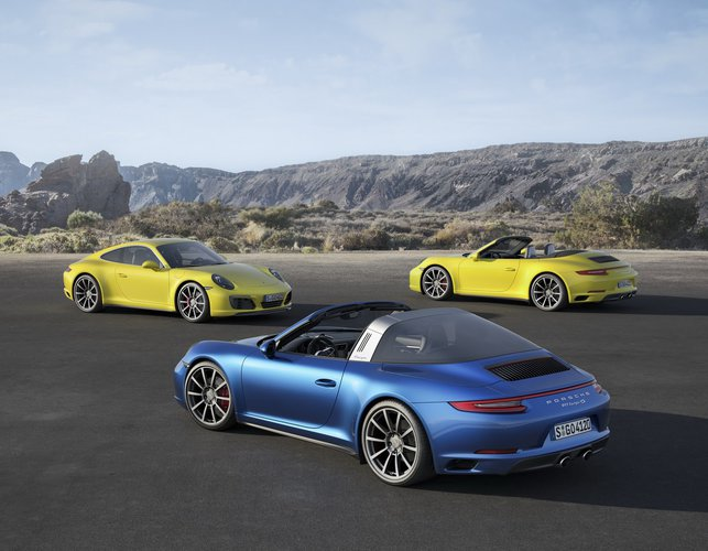 2017 Porsche 911 Targa 4 GTS photo - 3