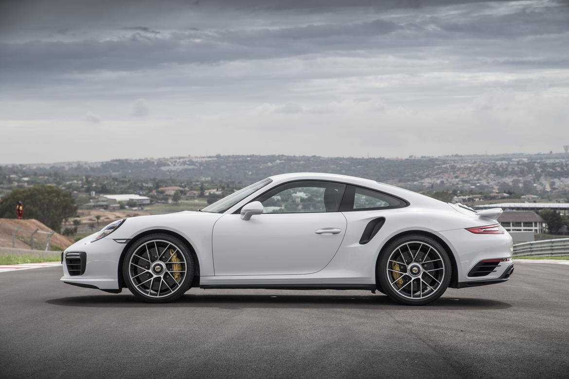 2017 Porsche 911 Turbo photo - 1