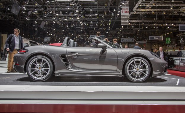 2017 Porsche Boxster S photo - 1