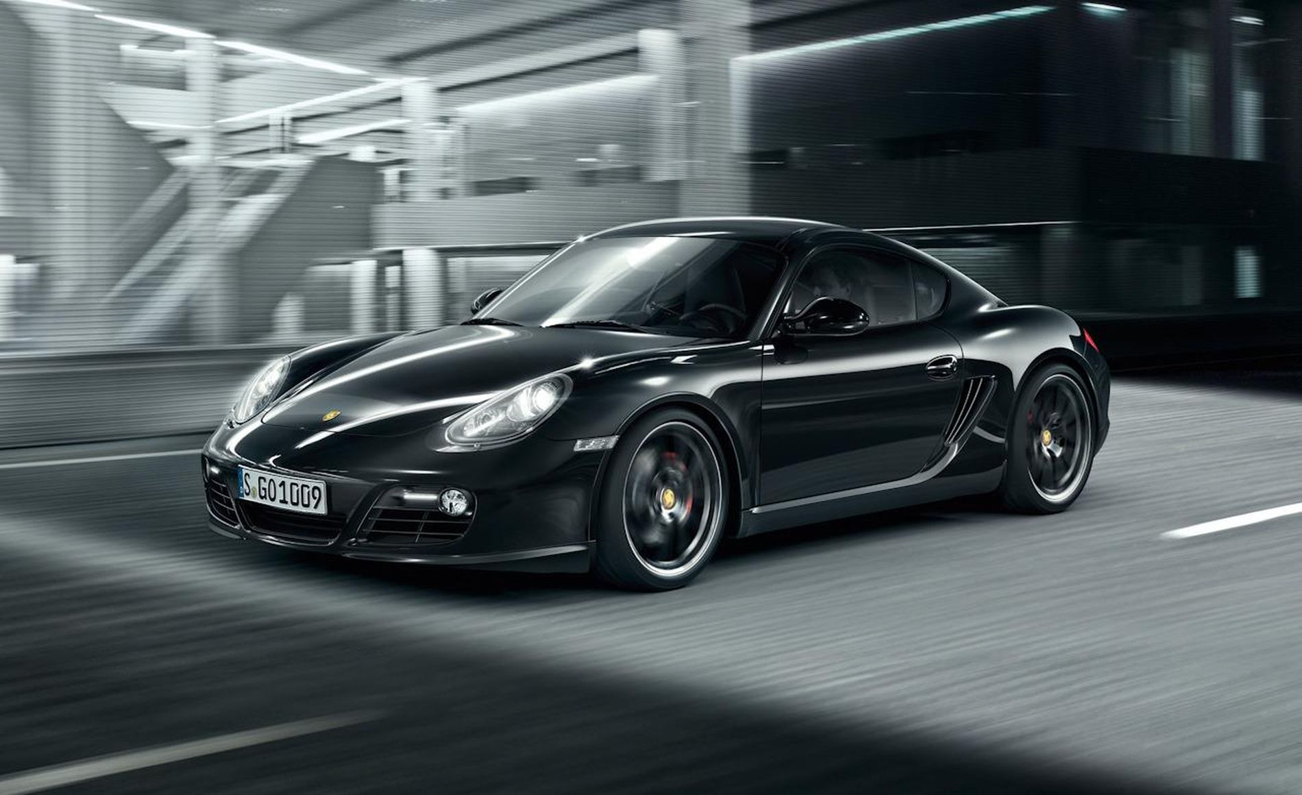 2017 Porsche Cayman photo - 1