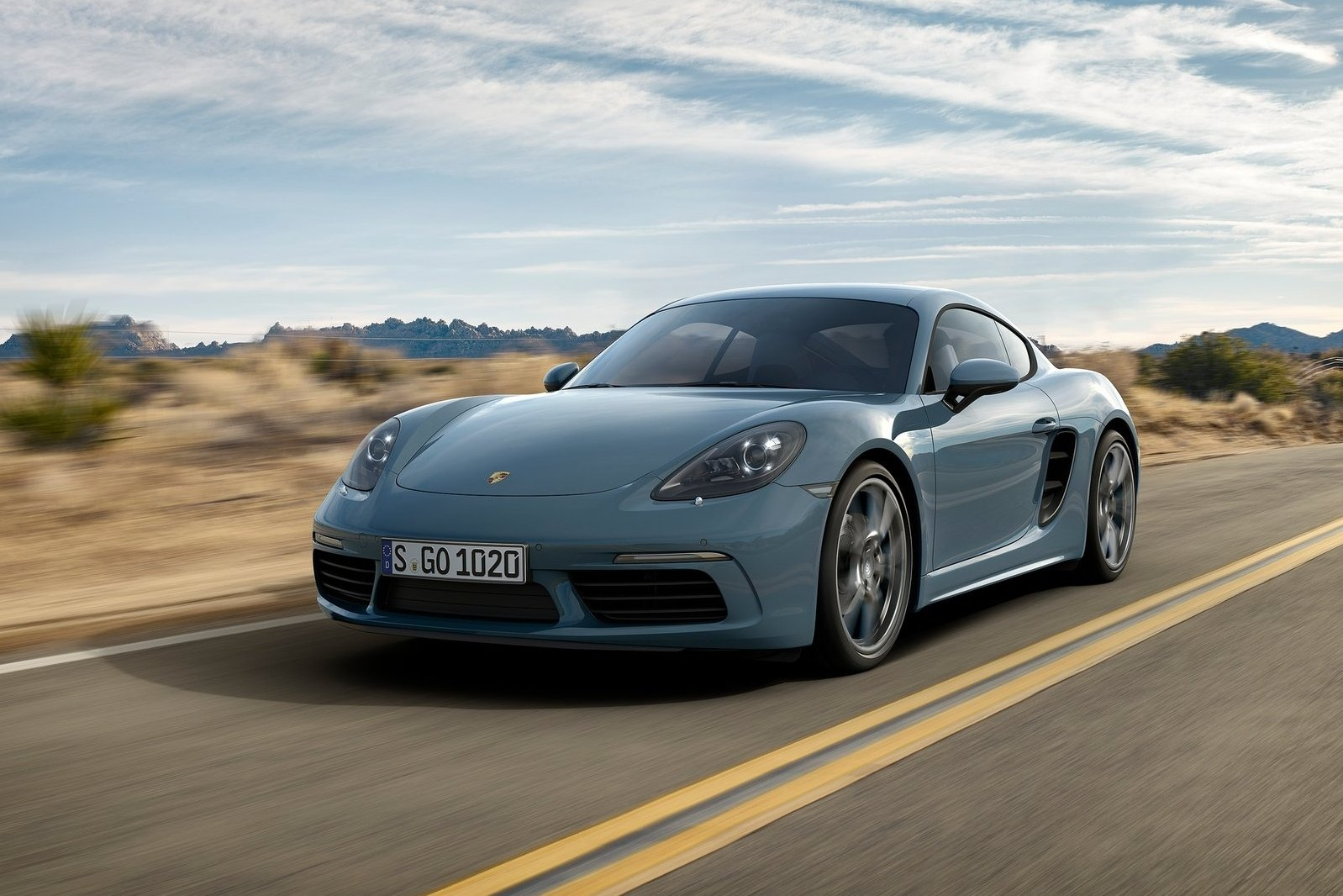 2017 Porsche Cayman photo - 2