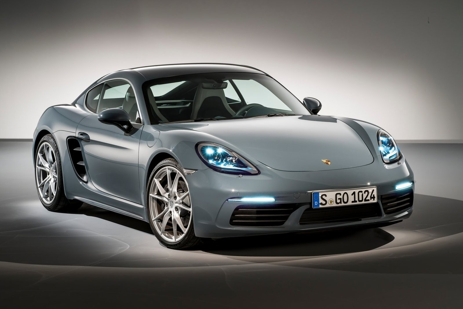 2017 Porsche Cayman photo - 4