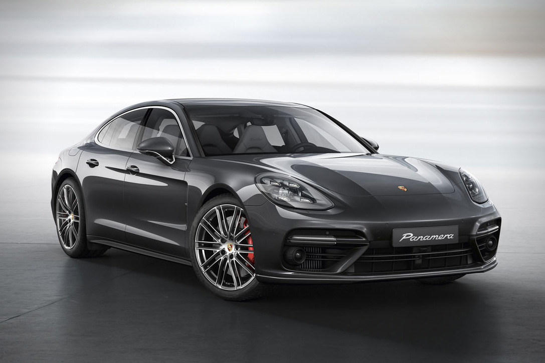 2017 Porsche Panamera Turbo S photo - 3