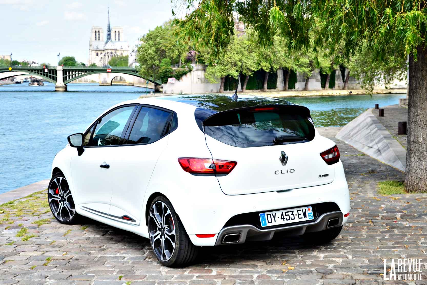 2017 renault clio rs 220 trophy edc car photos catalog 2018. Black Bedroom Furniture Sets. Home Design Ideas