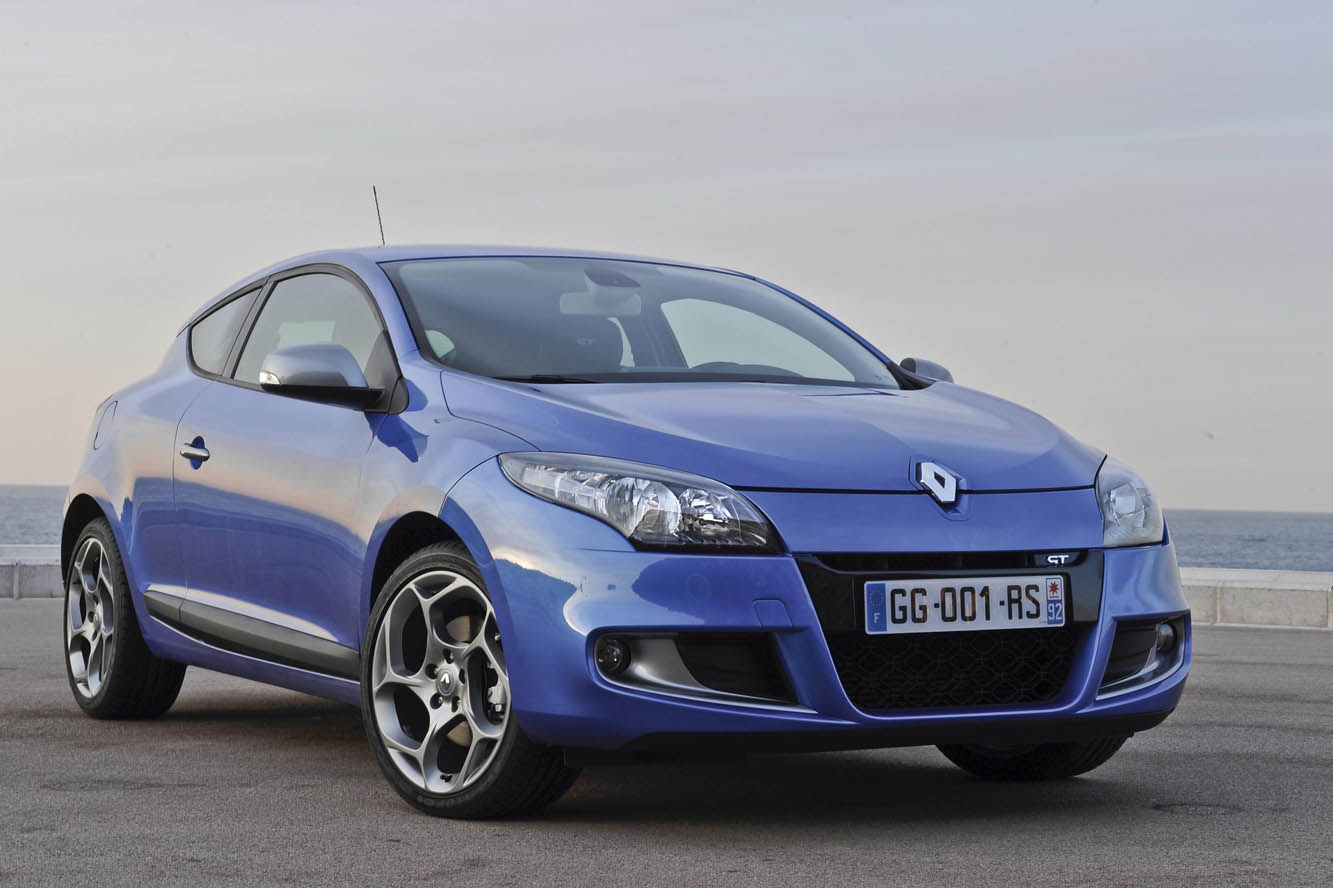 2017 Renault Megane Coupe GT photo - 4