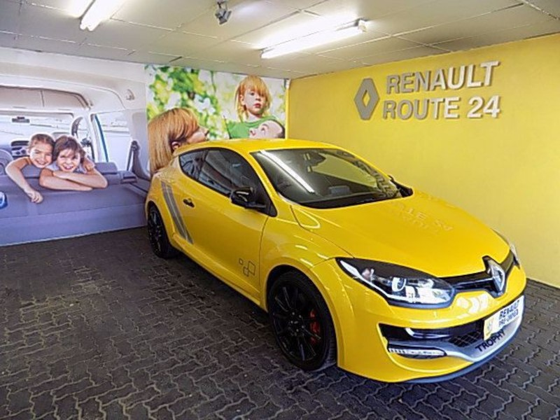 2017 Renault Megane RS 3 door photo - 3