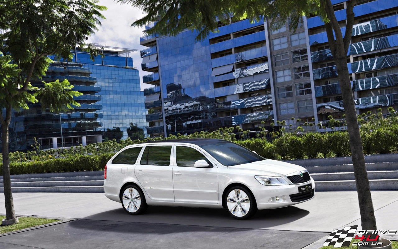 2017 Skoda Octavia Green E Line Concept photo - 1