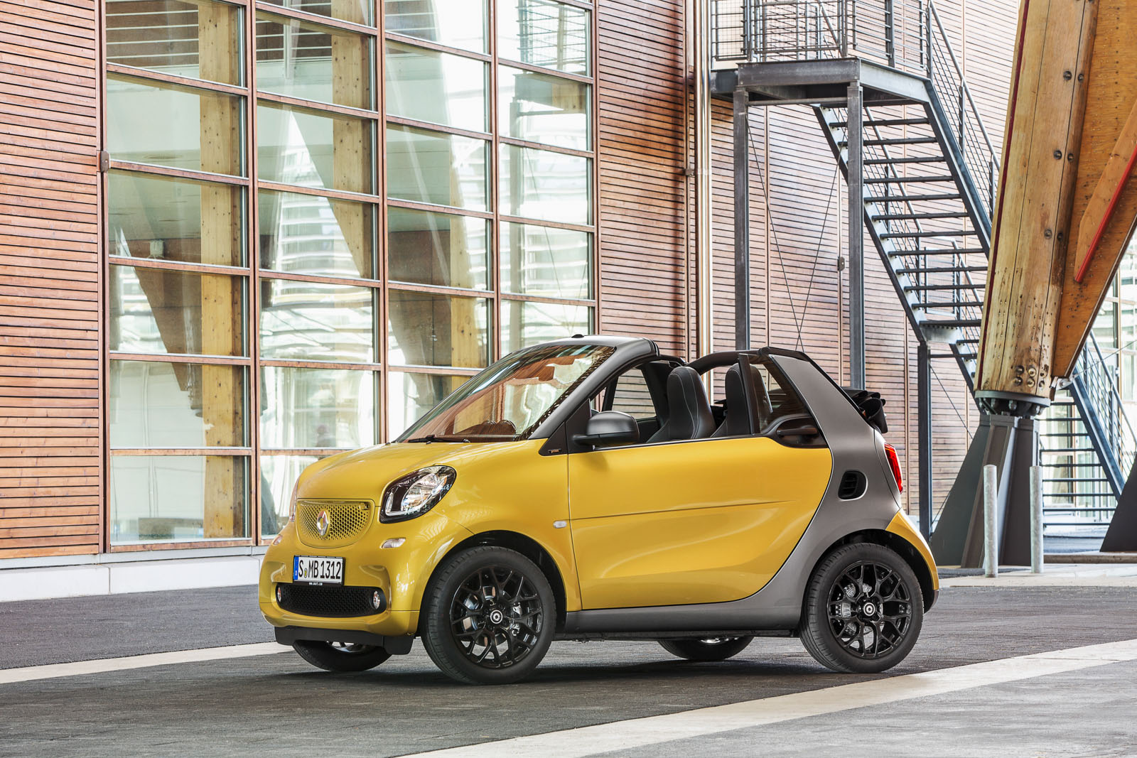 2017 Smart fortwo edition red photo - 2