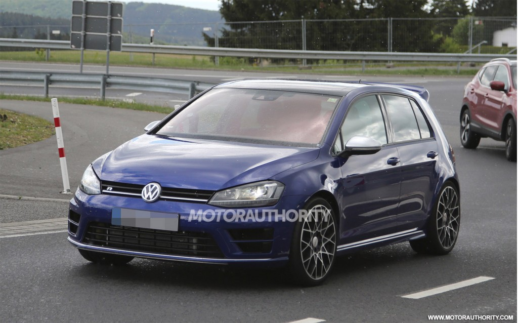2017 Volkswagen Golf R 400 Concept photo - 2