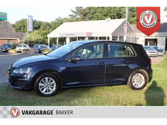 2017 Volkswagen Golf TDI BlueMotion photo - 3