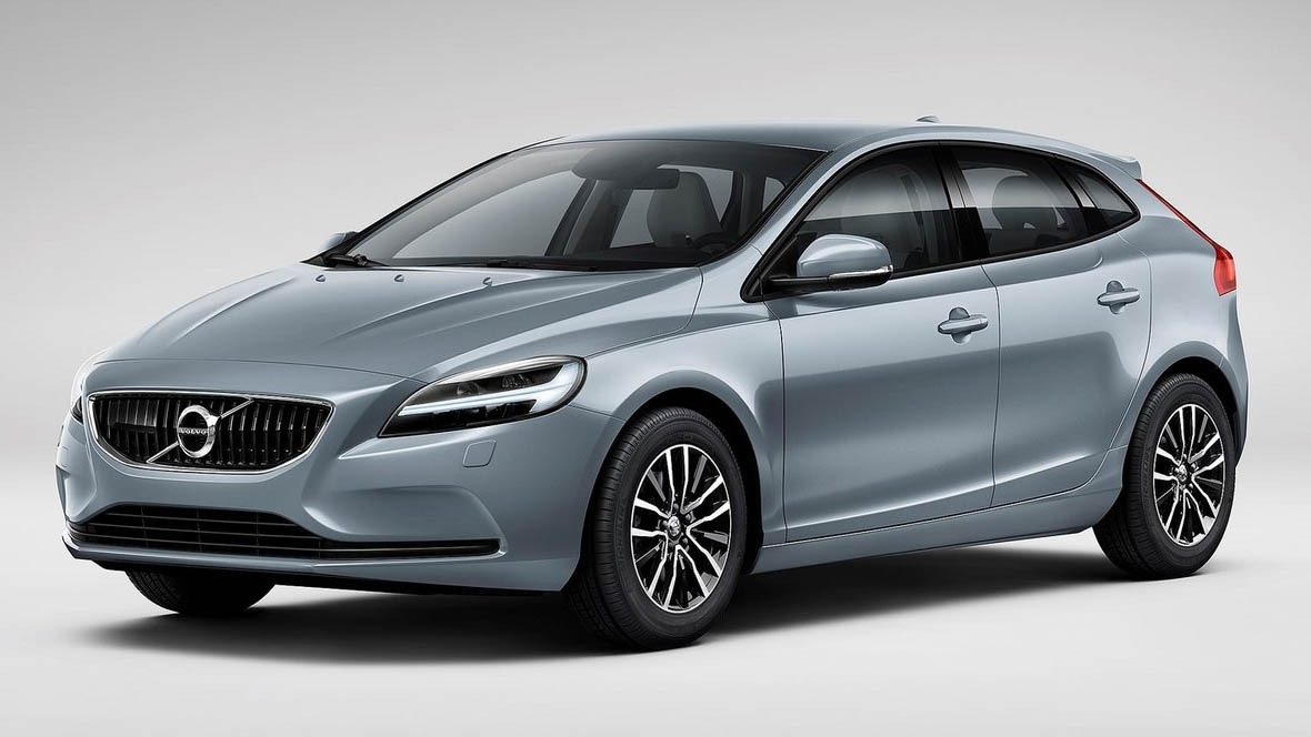 2017 Volvo V40 Cross Country photo - 3