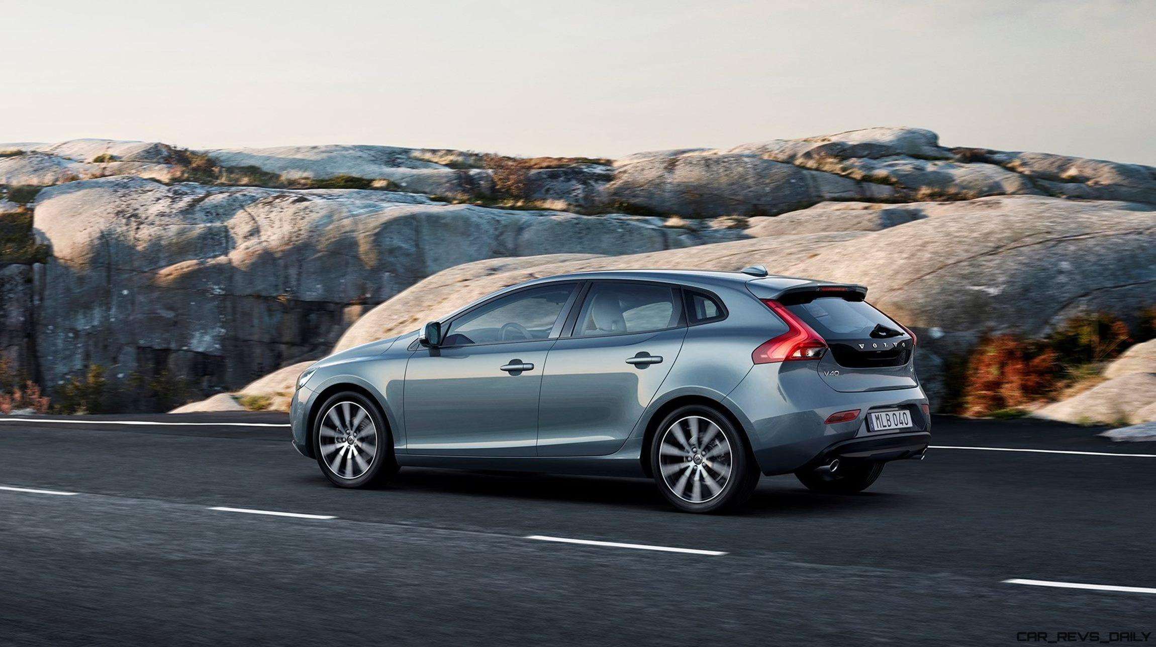 2017 Volvo V40 Cross Country photo - 4