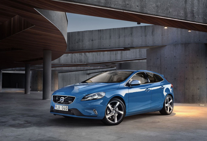 2017 Volvo V40 R Design photo - 2