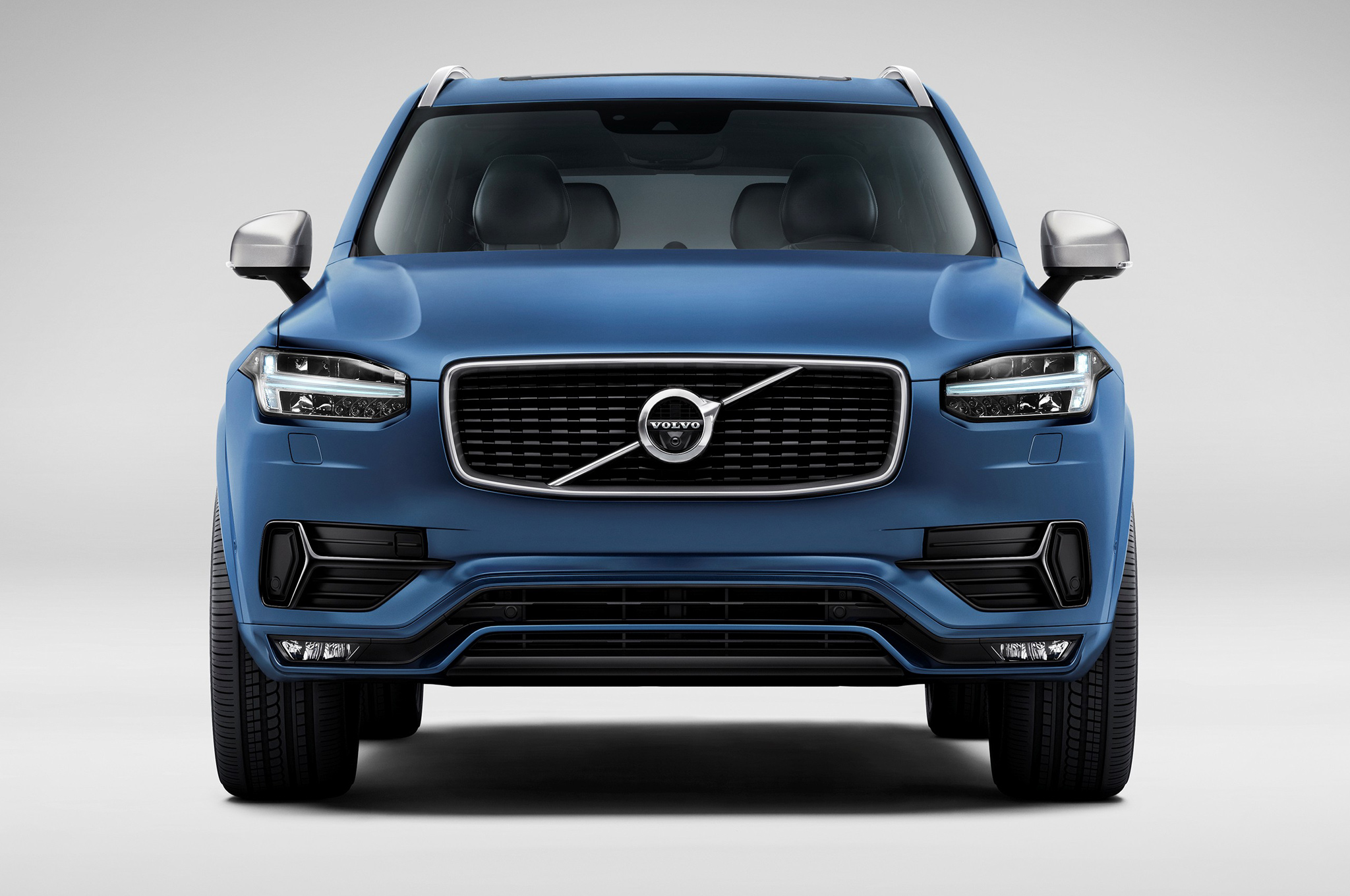 2017 Volvo XC90 R Design photo - 2