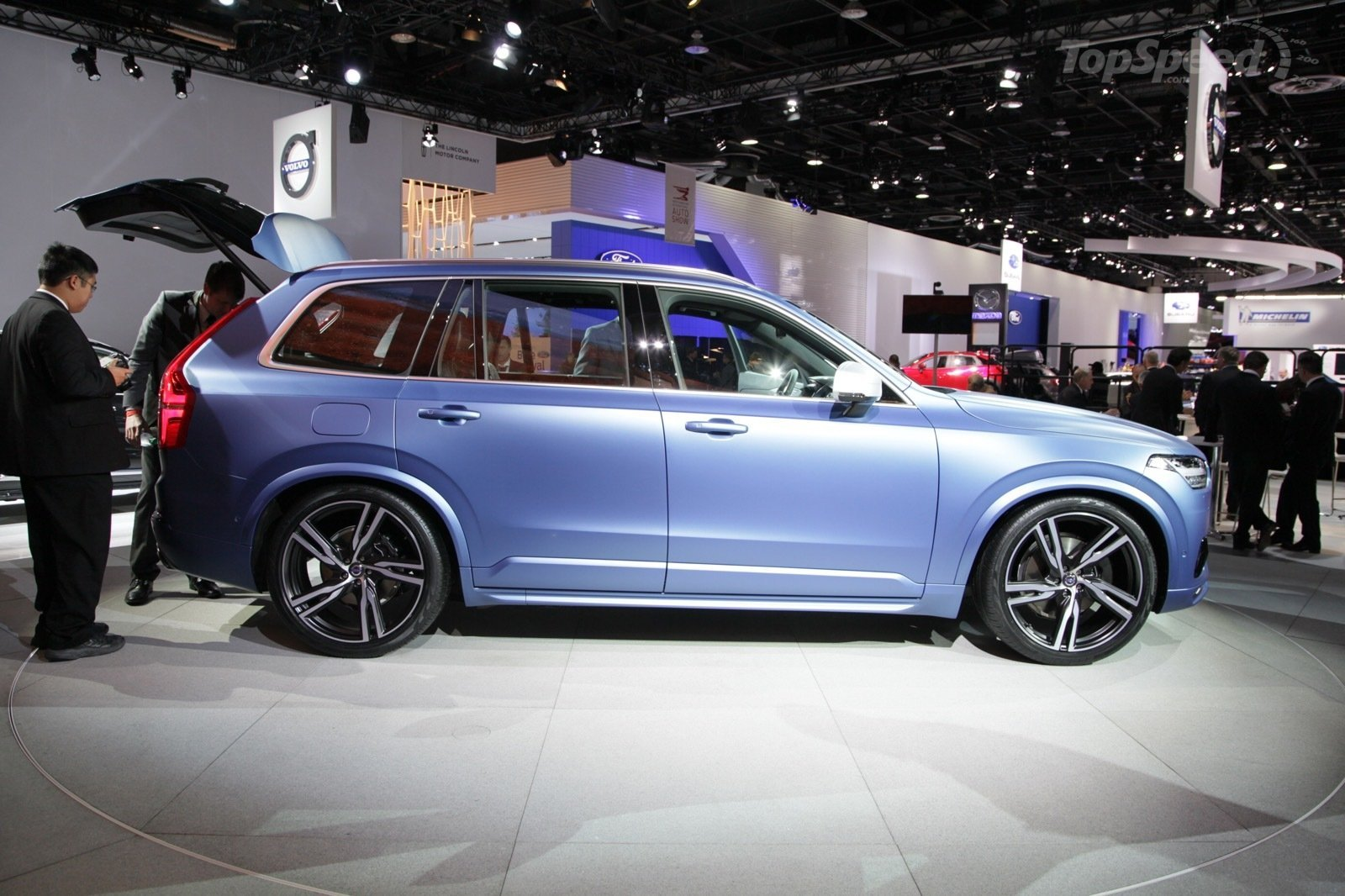 2017 Volvo XC90 R Design photo - 4