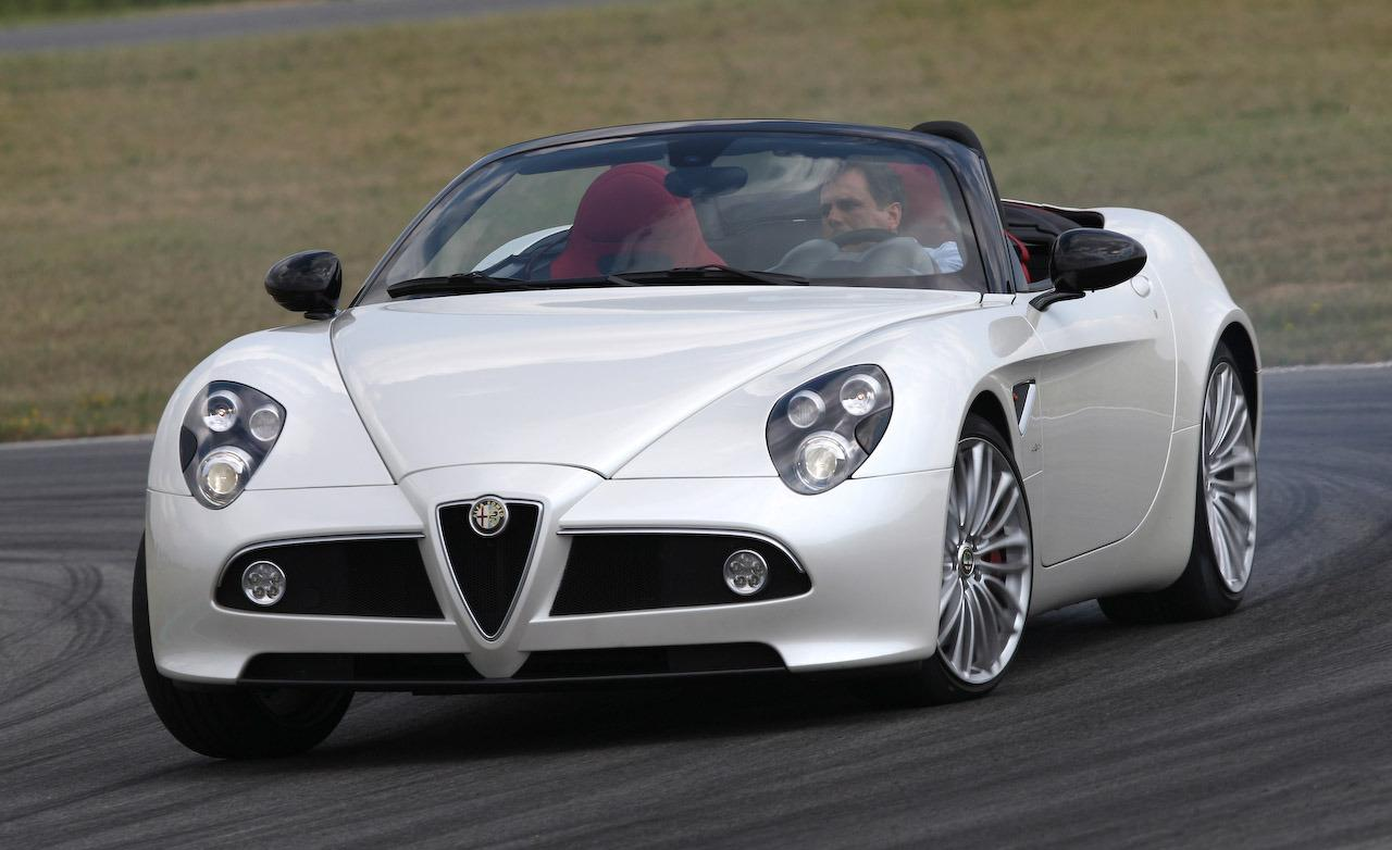 2018 Alfa Romeo 8C Spider photo - 3