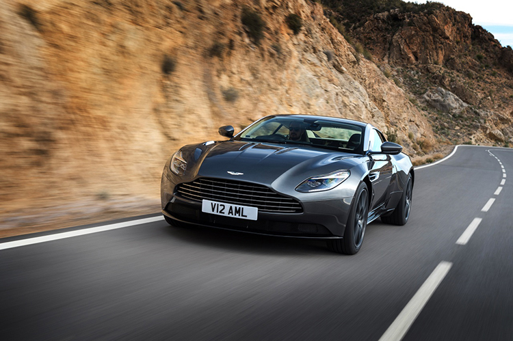 2018 Aston Martin DBS photo - 5