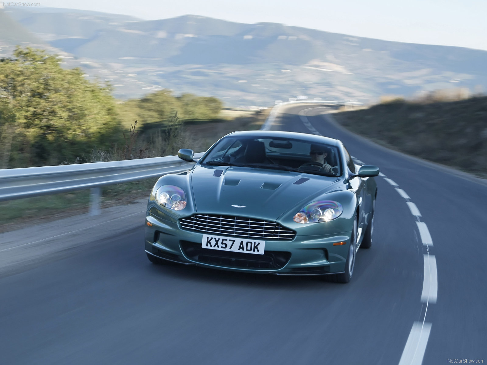 2018 Aston Martin DBS Racing Green photo - 3