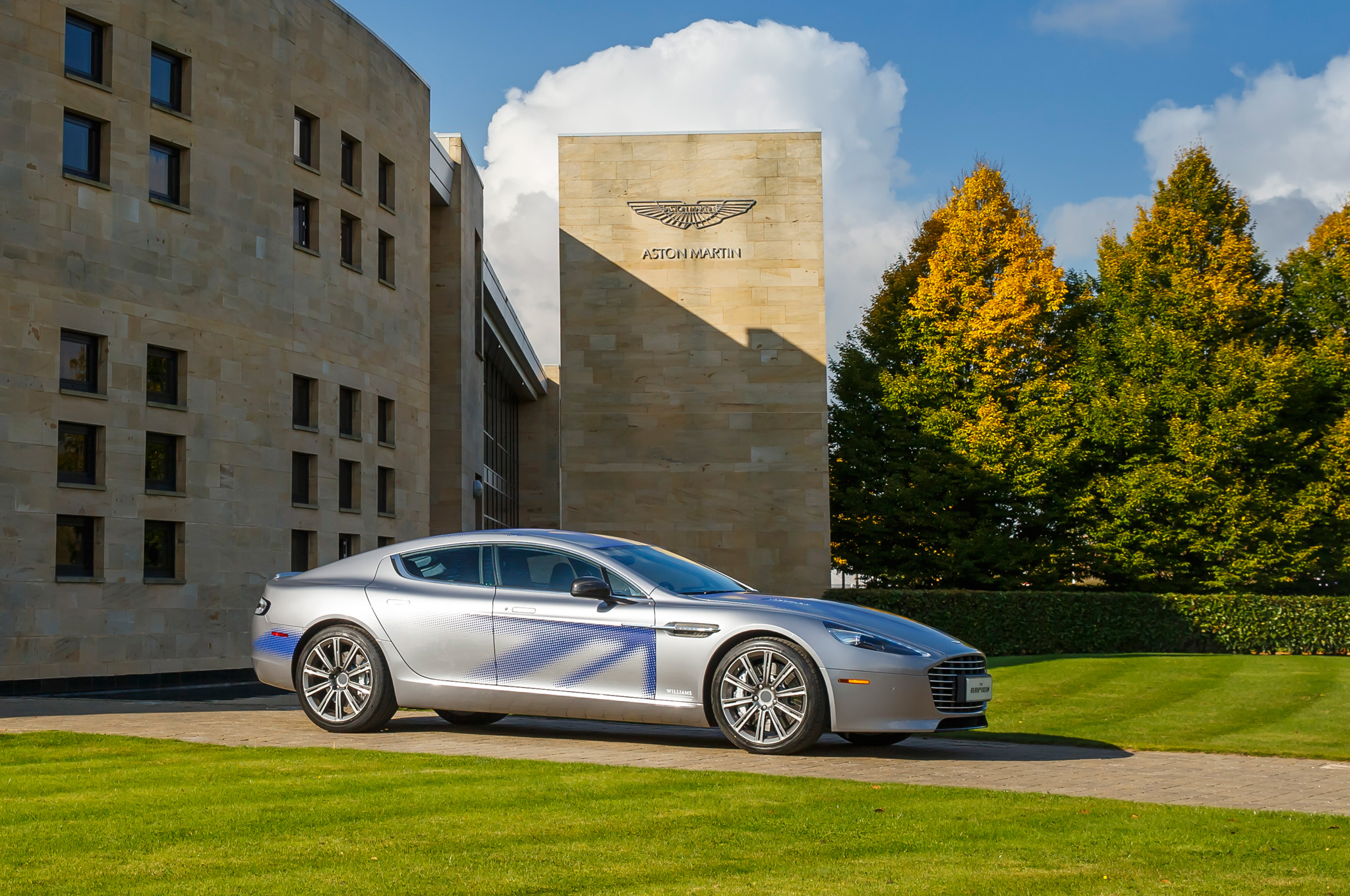 2018 Aston Martin Rapide Concept photo - 4