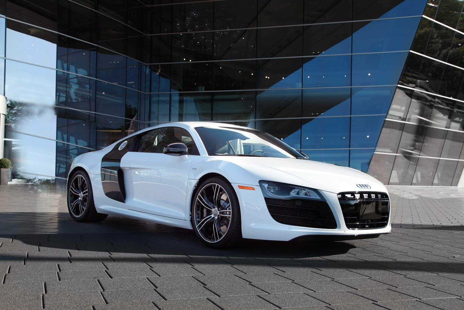 2018 Audi R8 Exclusive Selection photo - 3