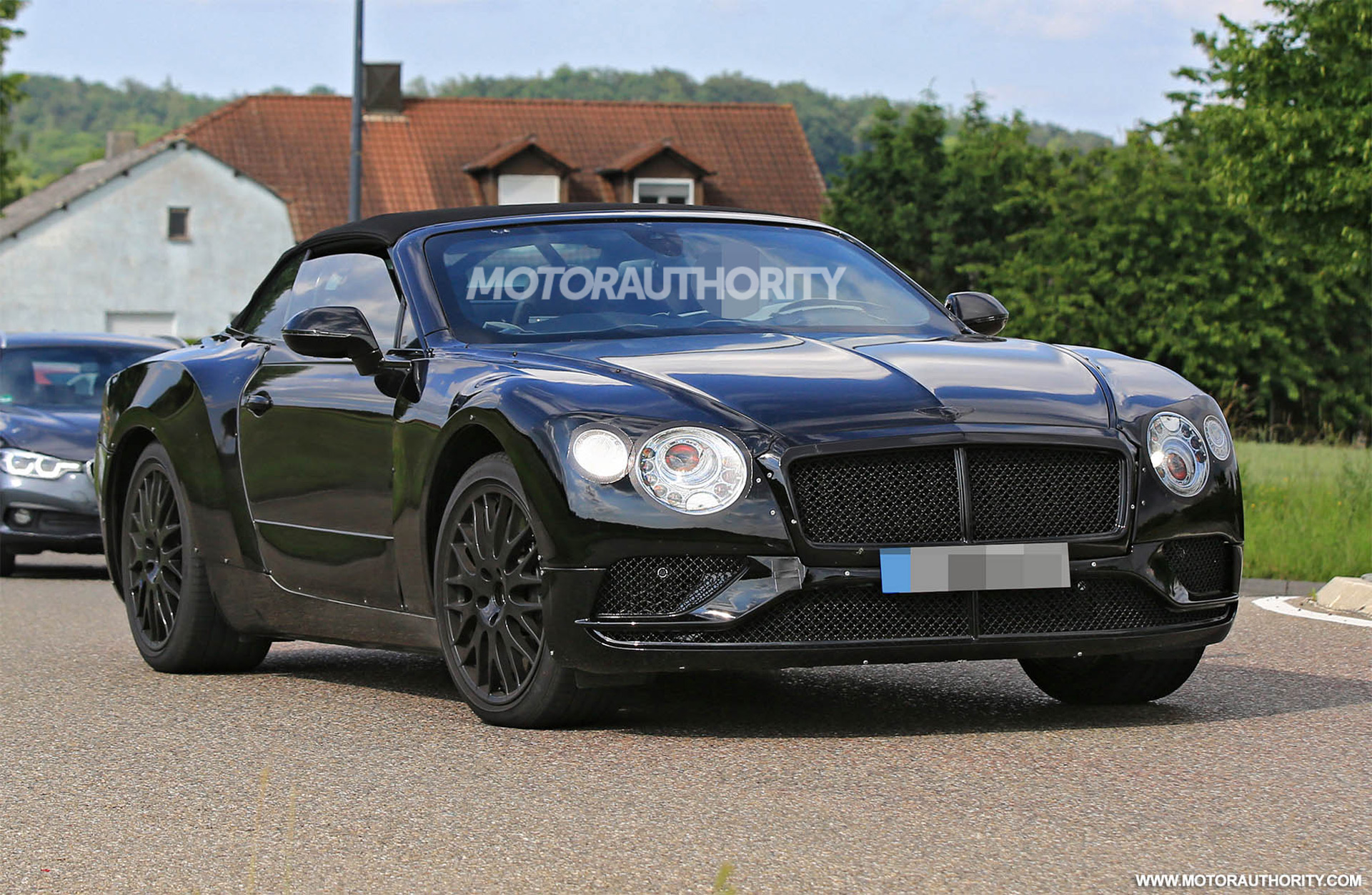 2018 Bentley Continental Flying Star photo - 2