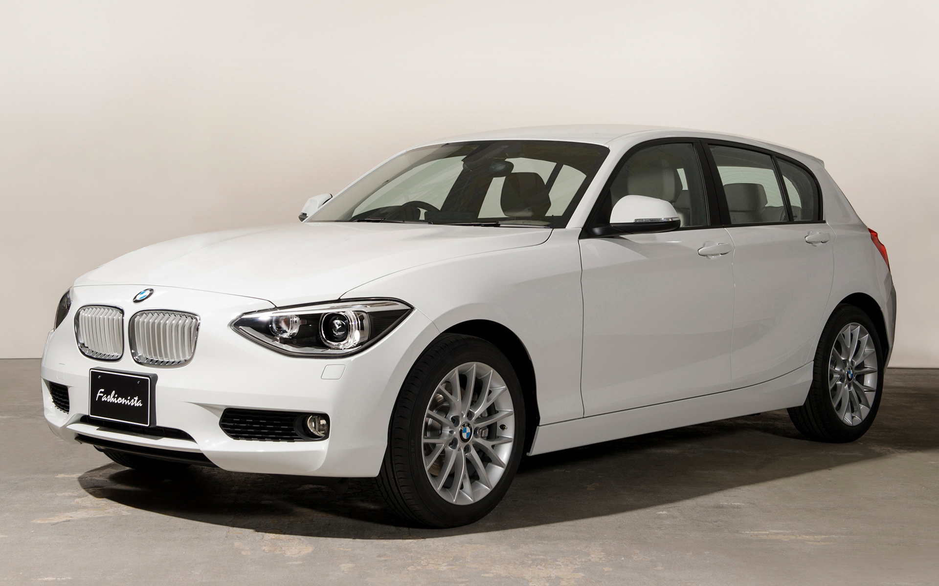 2018 BMW 1 Series 5 door photo - 1
