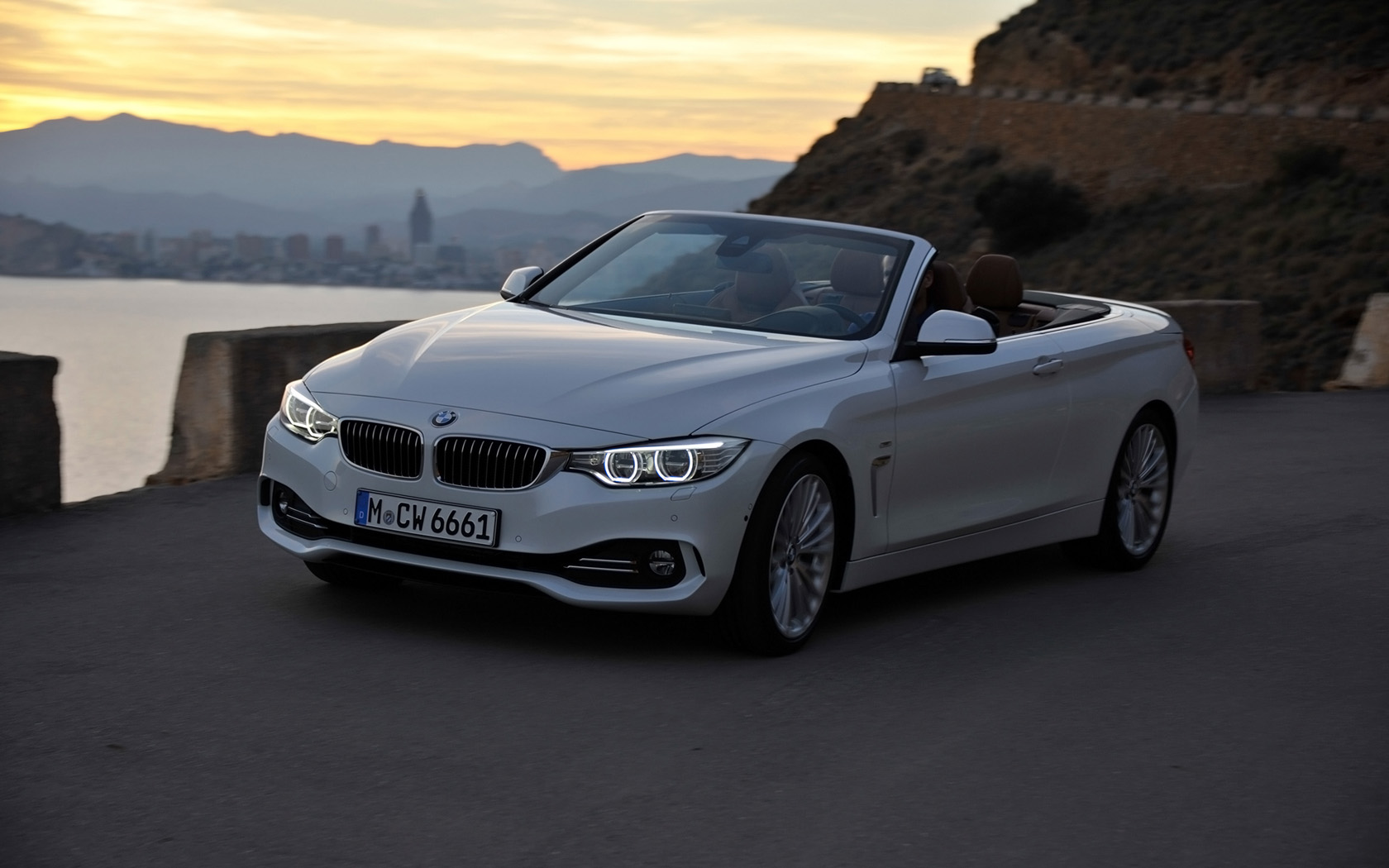 2018 BMW 2 Series Convertible photo - 4