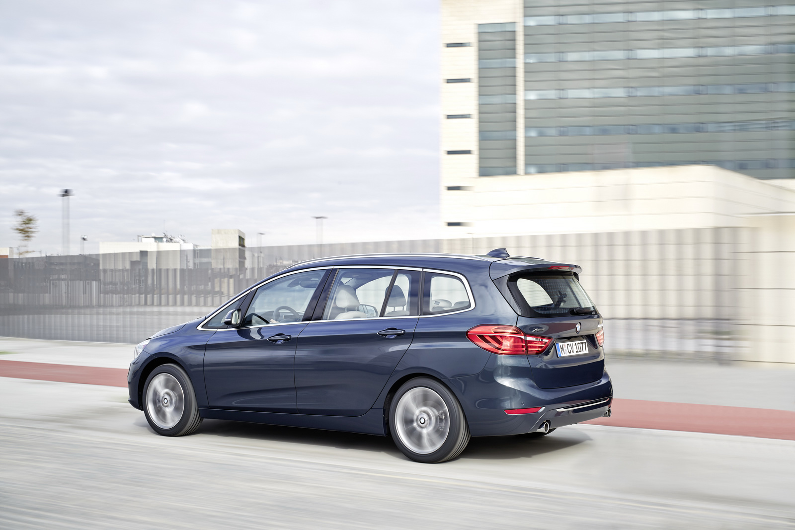 2018 BMW 2 Series Gran Tourer photo - 2