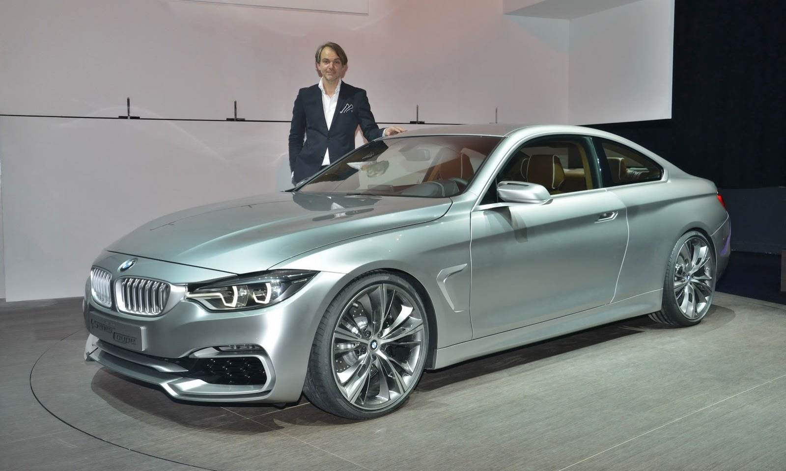 2018 BMW 3 Series photo - 1