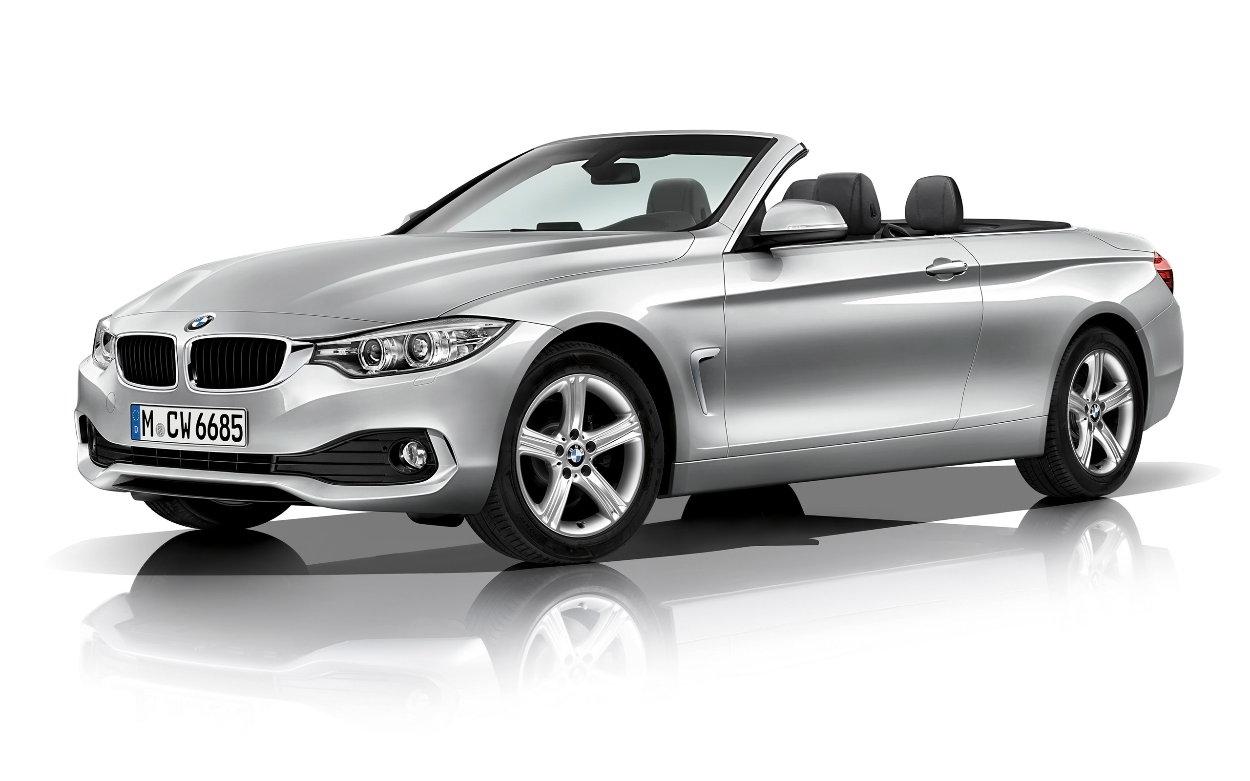 2018 BMW 3 Series Convertible photo - 4