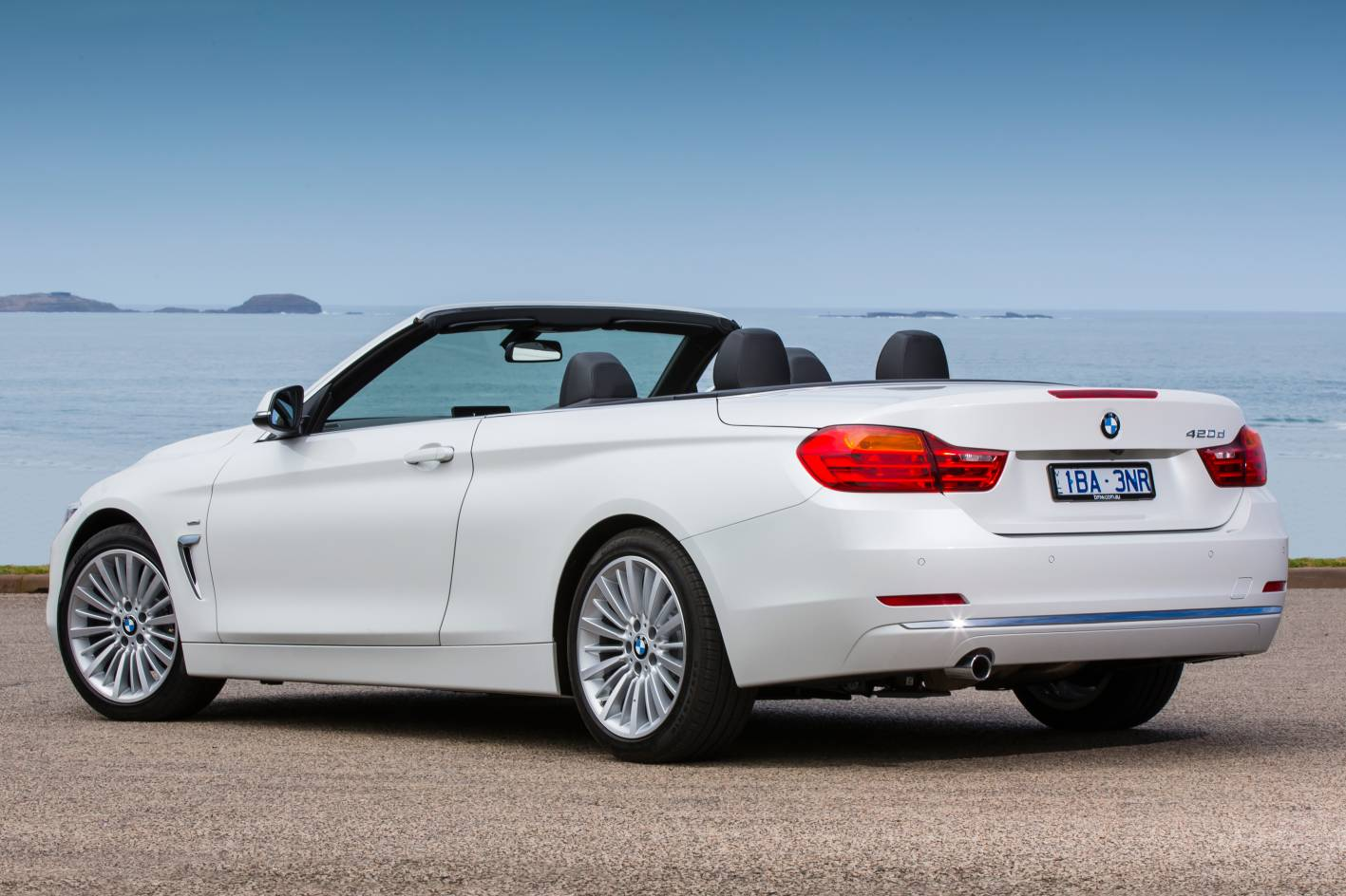 2018 BMW 4 Series Convertible photo - 4
